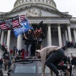 Facebook Perpanjang Blokir Akun Donald Trump 2 Minggu karena Rusuh di Capitol Hill