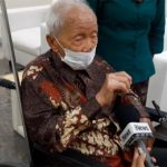 Gak Sakit Tidak Merasakan Efek Samping Tetap Bugar Lansia 104 Tahun Ikut Vaksinasi